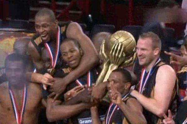 A Bercy, le SLUC est champion de France 2011