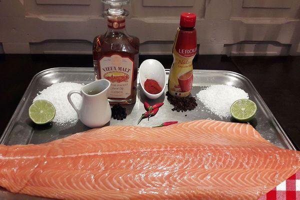 Les ingrédients des brochettes de saumon mariné à la chicorée, au piment doux et au genièvre de Wambrechies