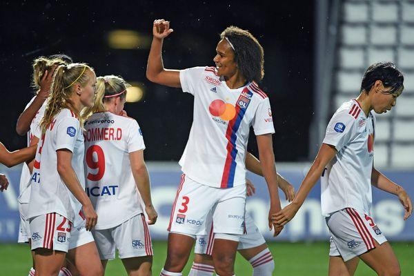 Décines-Charpieu 04/06/2021 : l'OL l'emporte sur le FC Fleury 8 à 0.