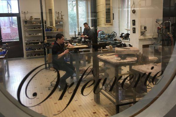 Peu d'élèves sont formés chaque année dans l'atelier, offrant ainsi à chacun un enseignement individualisé.