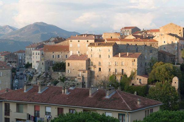 Le village de Sartène , en corse du sud où Véronique Caron a été sous-préfète de 2015 à 2017
