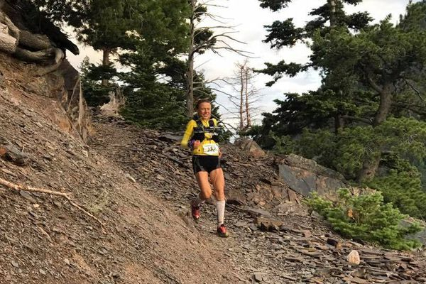 La coureuse Nathalie Mauclair sur la piste des 100 miles de la Hardrock 100 en juillet dernier dans la Colorado.