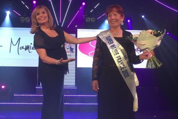 Monique Simonini (à droite), Super Mamie 2020, à côté de l'organisatrice du concours Fabienne Ollier