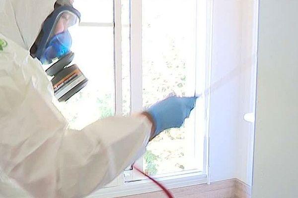 Montpellier - les chambres universitaires passées à l'insecticide contre les punaises de lits - 5 octobre 2018.
