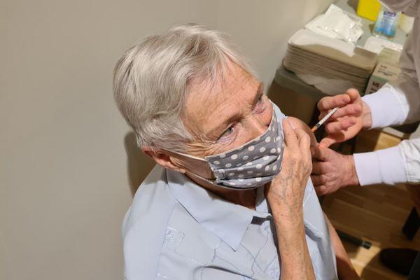 Odette, 83 ans, a choisi de se faire vacciner.