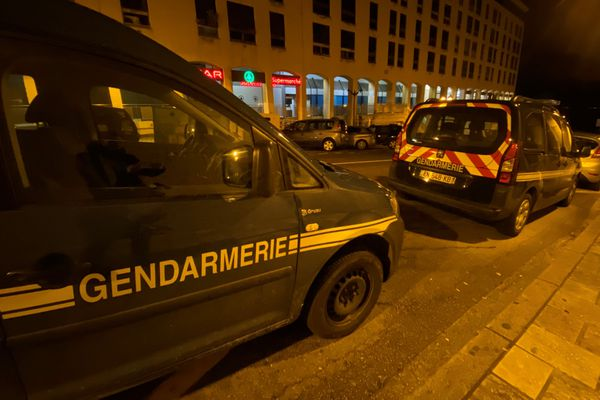Une vaste opération de gendarmerie, menée par la Jirs, a débuté dimanche 10 janvier dans la soirée à Ajaccio.