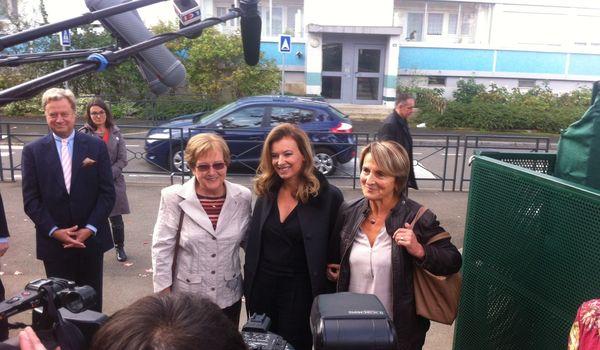 Valéries Trierweiler et ses institutrices angevines.