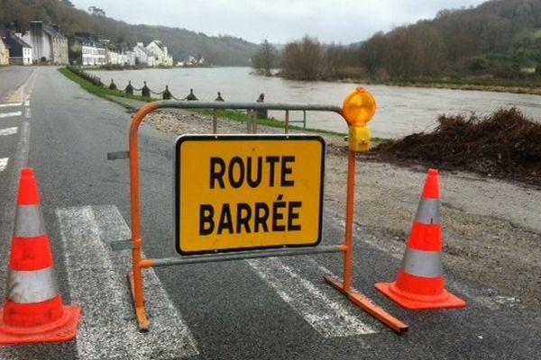 Pleine mer à 17h30, la route entre Port Launay et Châteaulin fermée en vue de débordements de l'Aulne