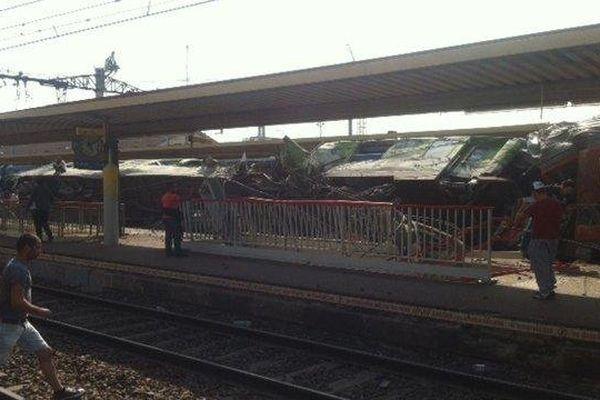 Une photo de l'accident ferroviaire à Brétigny-sur-Orge (Essonne), le 12 juillet 2013.