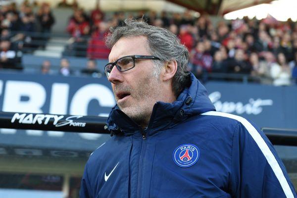 Laurent Blanc, lors du match Guingamp/PSG, le 9 avril 2016.