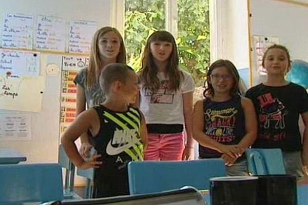 Villardonnel (Aude) - 5 des 18 enfants de la classe unique - 2015