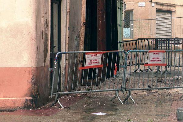 Hérault : un immeuble inoccupé de 3 étages s'effondre dans le centre ancien de Clermont-l'Hérault - 11 mai 2020.
