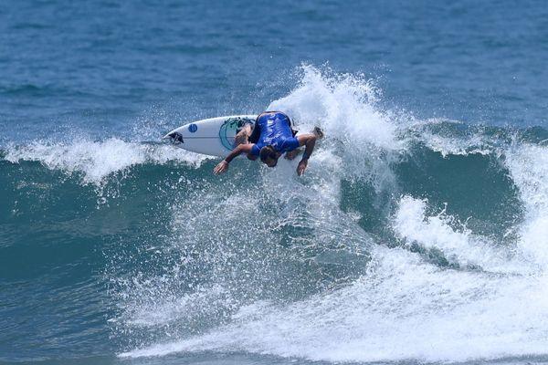 Joan Duru lors des mondiaux de Surf au Salvador, le 5 juin 2021.