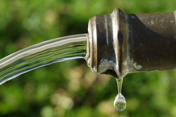 Une quinzaine de communes du Loiret sont touchées par une pollution de l'eau potable par une molécule toxique jugée cancérigène.
