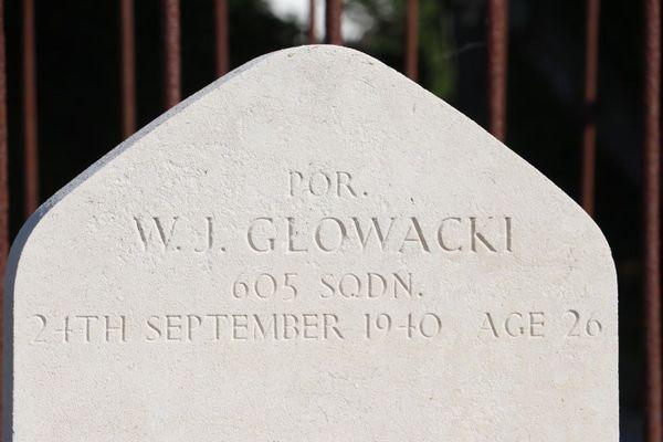 Witold Jozef Glowacki appartenait au 605 Squadron. Il est mort le 24 septembre 1940, à l'âge de 26 ans.