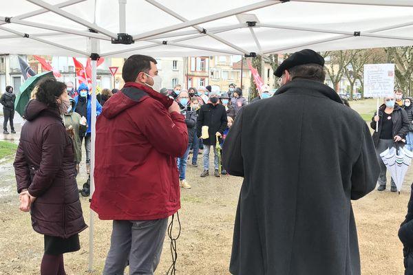Premier rassemblement du collectif Moissac mérite mieux contre la politique du maire RN