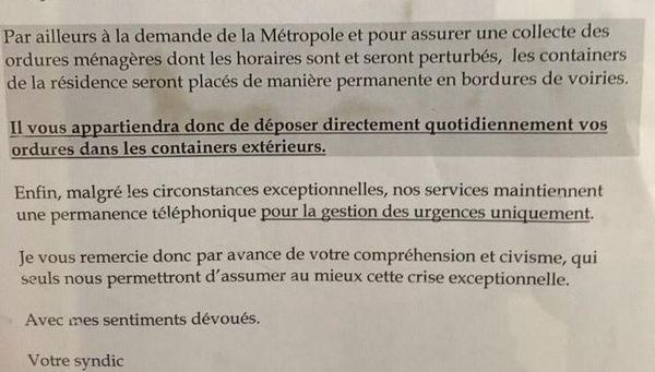 Dans un immeuble de Montpellier, le Syndic demande de jeter les ordures dans les containers extérieurs.