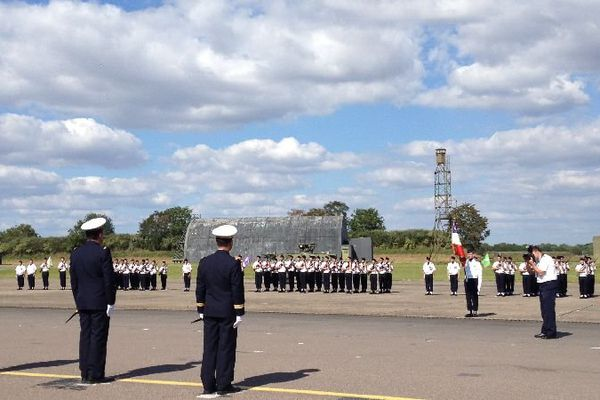 Le colonel Pierre Real a pris le commandement de la base aérienne 102 de Dijon-Longvic mardi 2 septembre 2014. Il succède au  colonel Jean-Christophe Boëri.