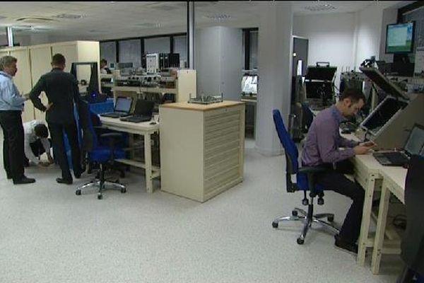 Les ingénieurs du site de Sophia-Antipolis au travail.