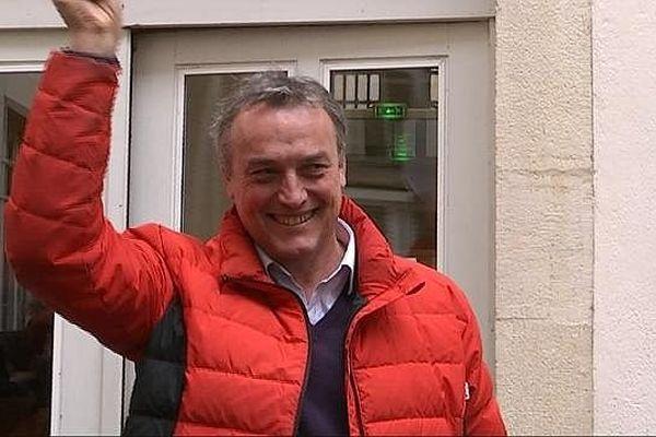 La joie d'Emmanuel Giboulot, à la sortie de la Cour d'Appel, le 4 décembre 2014