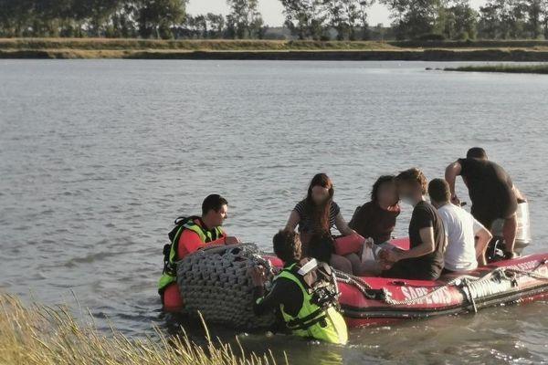 Deux groupes de 17 personnes au total, récupérés par les secours à marée haute