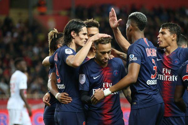 (Archives) Stade Louis-II de Monaco : 13ème journée de Ligue 1 Monaco - Psg Photo : but de Cavani (psg).