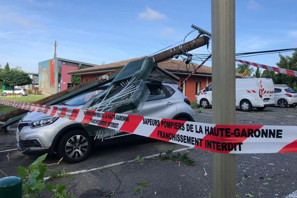 Ce vendredi matin à Saint Jean en Haute-Garonne, les traces de la violence de l'orage étaient encore visibles.