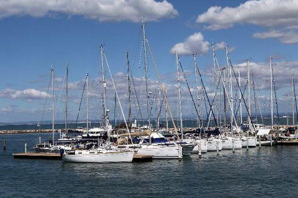 Des bateaux dans le port du Grau-du-Roi.