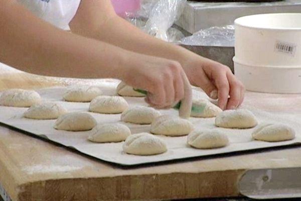Le 42e concours international du meilleur jeune boulanger se déroule à Rouen.