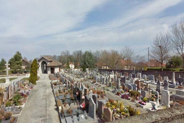 Une quinzaine de tombes ont été profanées dans le petit cimetière d'Anthy-sur-Léman