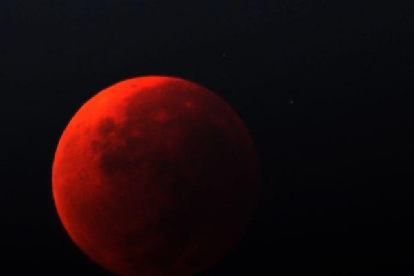 Lune rouge lors d'une éclipse totale