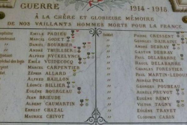Pour finaliser leur cérémonie du 11 novembre, des élus  de Drucat cherchent les descendants des poilus enterrés sur la commune