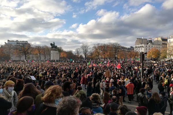 Place du Trocadéro à Paris ce samedi 21 novembre, manifestation pour le droit d'informer