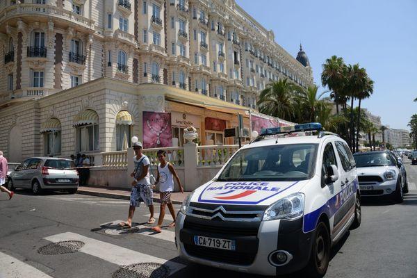"""Le 28 juillet 2013, en plein jour, un homme réalisait le """"casse du siècle"""" à l'hôtel Carlton à Cannes."""