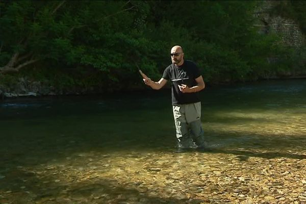 Damien, maître de la pêche Tenkara