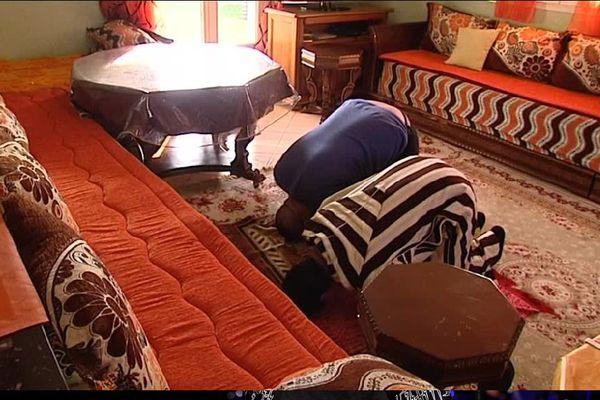 Les fidèles sont invités durant le Ramadan à prier davantage et à relire le Coran.
