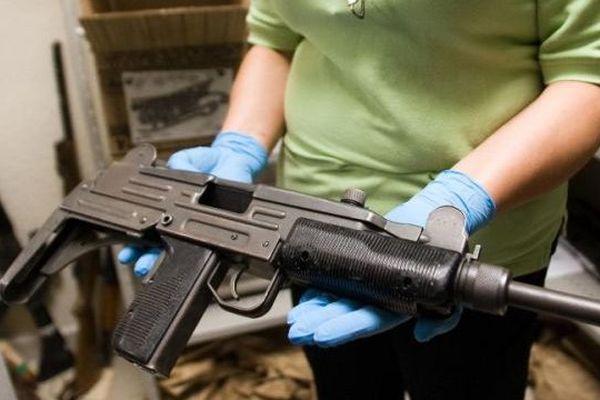 """Un pistolet mitrailleur """"Uzi"""""""