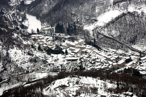 Burzet sous la neige, janvier 2017