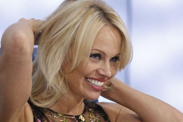 Pamela Anderson déclare sa flamme à Adil Rami sur Instagram