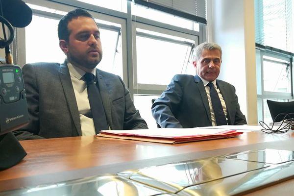 Le commissaire Kevin Gutter, à gauche et le procureur de Toulouse, Dominique Alzeari, à droite.