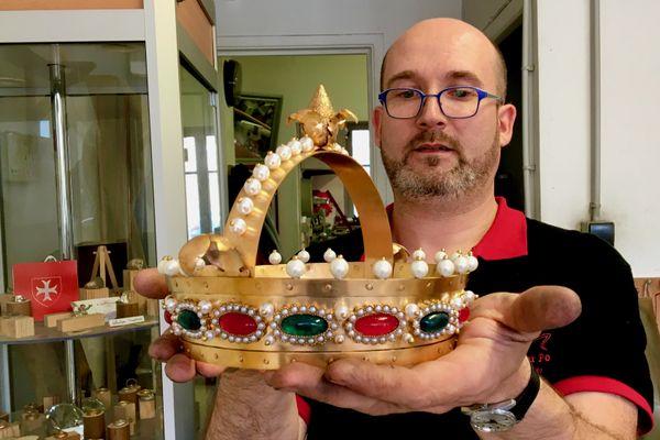 Béranger Poiron, Maître artisan joaillier à Nantes à créé la couronne du roi Louis 1er dit Le Pieux