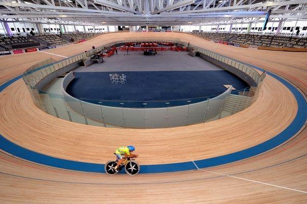"""Le """"Stab"""". Vélodrome couvert de Roubaix où se déroulera la première nuit du vélo."""