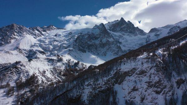 La reine de l'Oisans, la Meije, et ses 3 983 m.