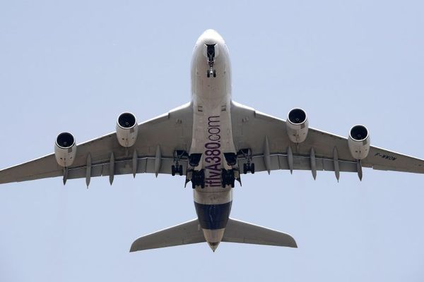 Avarie moteur sur un A380 au Groenland: les compagnies devront faire une inspection.