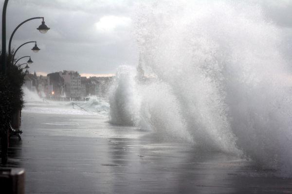 Grande marée à Saint-Malo - Ille-et-Vilaine