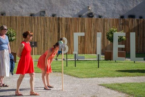 Le festival du Mot se tient tous les ans à la Charité-sur-Loire, dans la Nièvre
