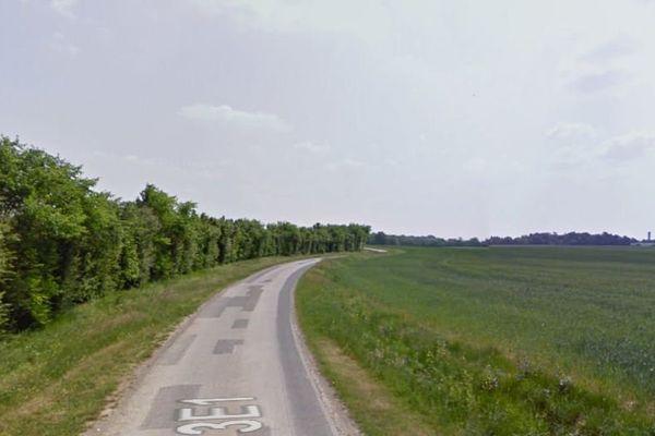La départementale 213E1 à Annezay (17)