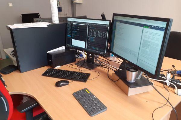 L'ordinateur avec lequel Inès Jorge planche sur sa thèse en génie électrique.