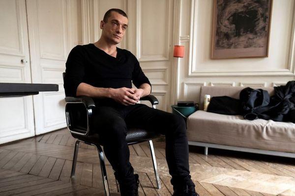 Piotr Pavlenski, 35 ans, risque l'incarcération pour avoir blessé deux personnes lors d'une soirée le 31 décembre.