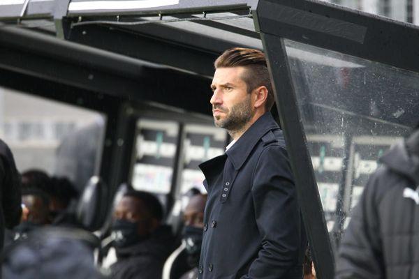 Face à Pau ce 26 septembre (0-0), le tacticien franco-slovène a coaché son dernier match avec l'Amiens SC.